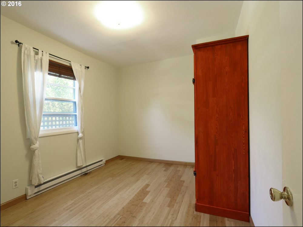 414 SE 26th Ave Bedroom 2