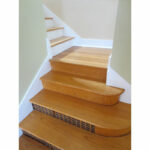 307-SE-32nd-Ave—stairs