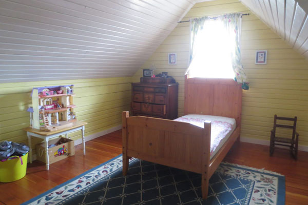 2737 SE 60 Ave- Upstairs Bedroom2