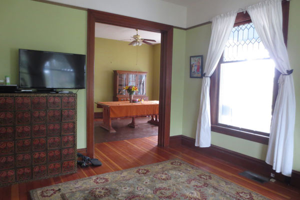 2737 SE 60 Ave- Front Room and Dining Room