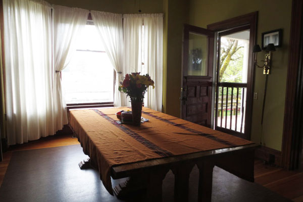 2737 SE 60 Ave- Dining Room and Door to Porch