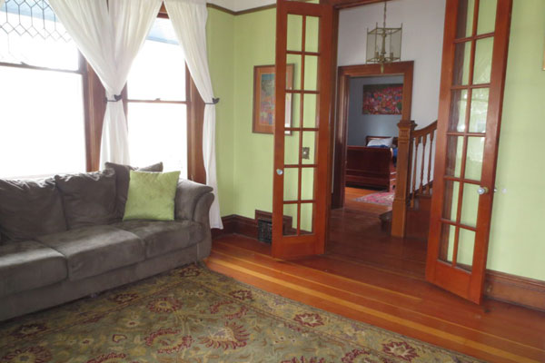 2737 SE 60 Ave- Front Room