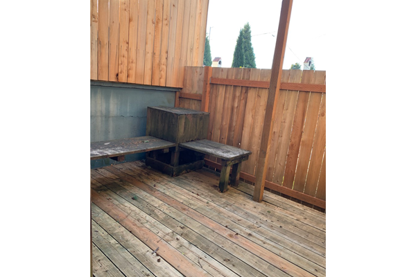2106-SE-Yamhill-St–backporch-benches