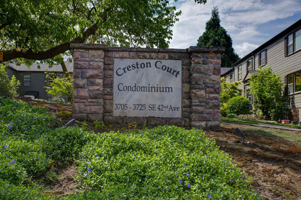 3717 SE 42nd Ave- Creston Court Sign
