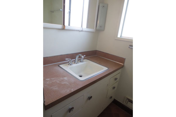 1324-NE-55th-Ave-600×400–bathroom3