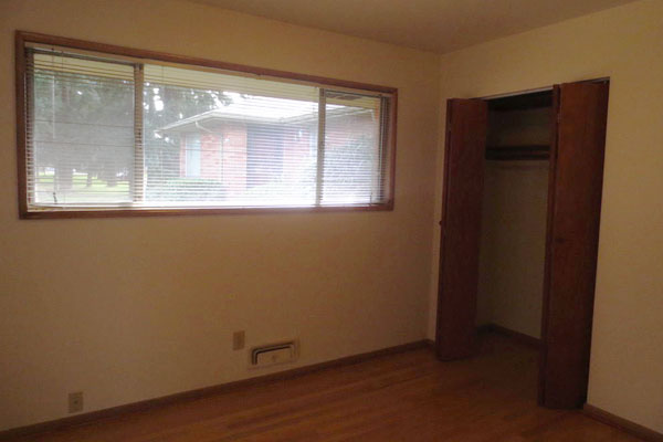 1324-NE-55th-Ave-600×400–bedroom