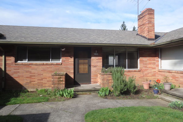 1324-NE-55th-Ave-600×400–front-of-unit