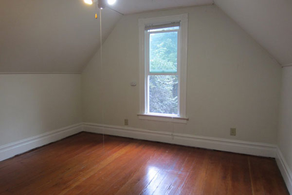 3544-SE-Washington-St–600×400–bedroom2