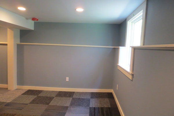 4219-SE-Clinton-St–downstairs-living-room2