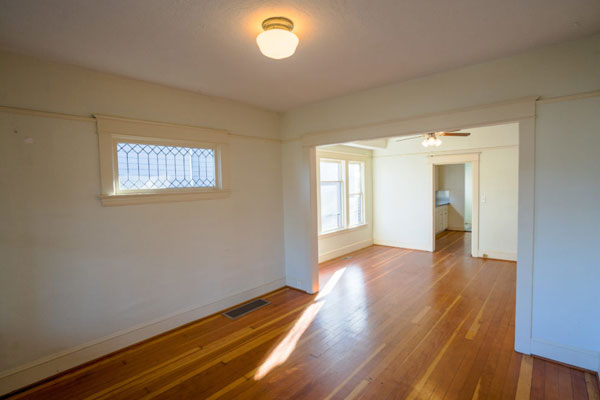 4920-Franklin–living-and-dining-room