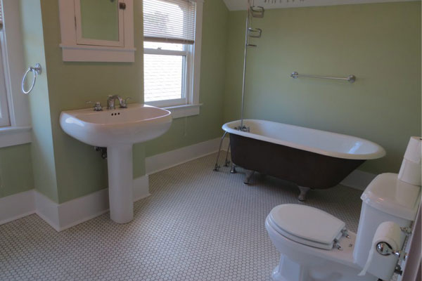 Hawthorne-House–bathroom2