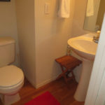 1913-NW-25th-Ave–bathroom2