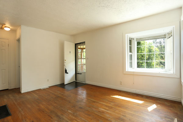 1405-NE-79th-Ave–frontroom