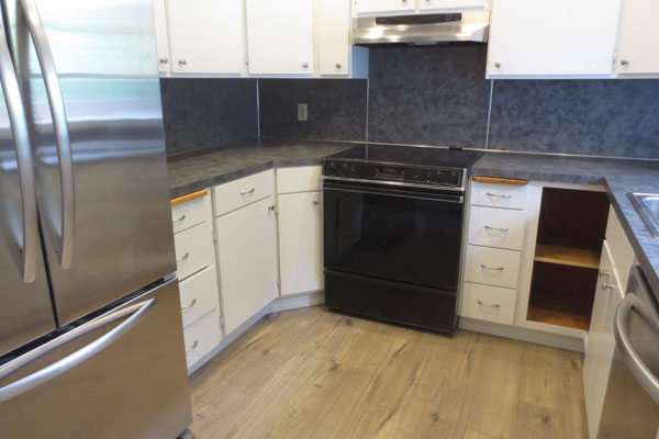 2725-SE-36th-Ave–Kitchen