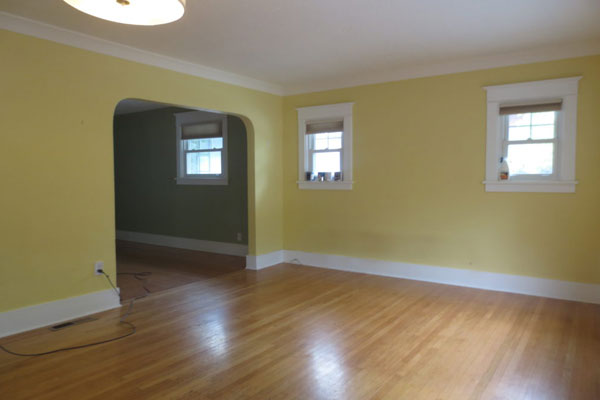 2725-SE-36th-Ave–Living-Room