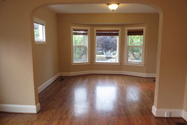 1134-SE-Marion–600×400–diningroomandfrontwindows