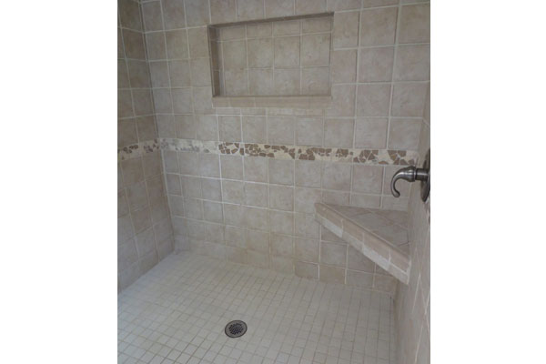1134-SE-Marion–600×400–upstairs-shower