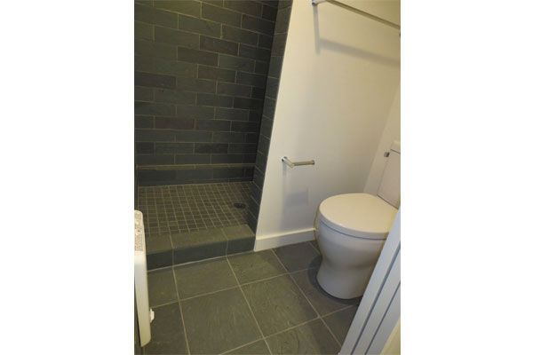 1932-B-NE-Broadway-St-bathroom4