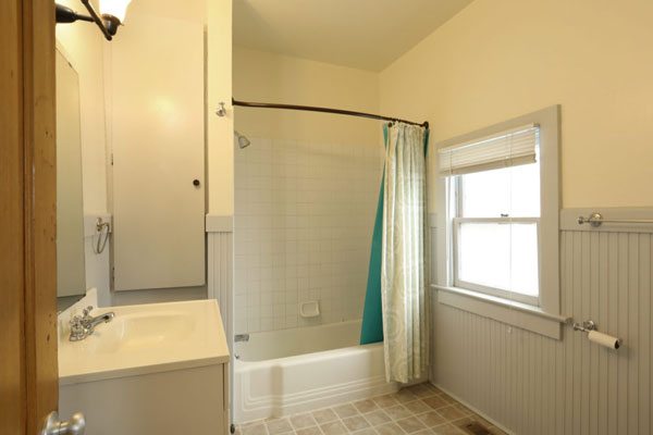 018-SW-Porter-Apartment–Bathroom2
