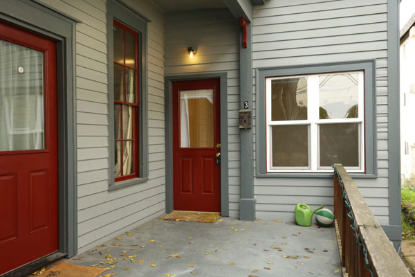 018-SW-Porter-Apartment–Porch-and-Front-Door
