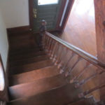 2316-SE-24th-Ave–front-foyer-and-stairs-with-round-windwo