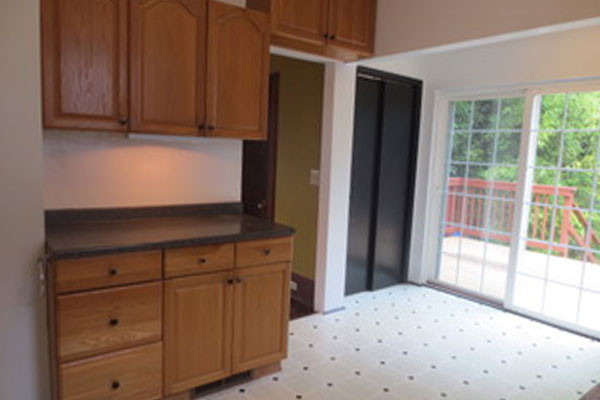 2316-SE-24th-Ave–kitchen-and-backporch-2