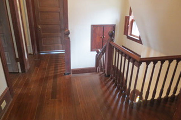 2316-SE-24th-Ave–upstairs-landing2