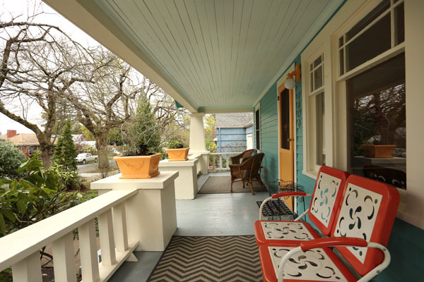 4806-NE-36th-Ave–frontporch