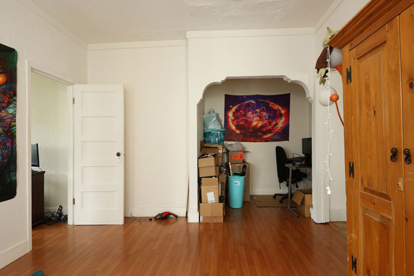 5254-N-WILLIAMS-AVE–front-room-2a