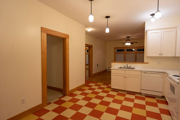 1544-SE-Hawthorne-#2–kitchen-and-living-room
