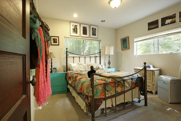 3534-3536-SE-Yamhill-Street–bedroomtwo