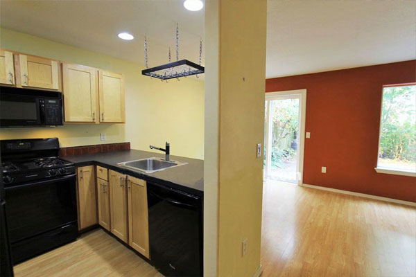 4739-NE-15th-Ave–kitchen-and-living-room