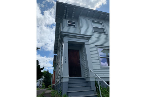 1848-E-Burnside-St–upstairs-front-porch2