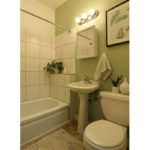 800-854-NE-Ave–bathroom-2